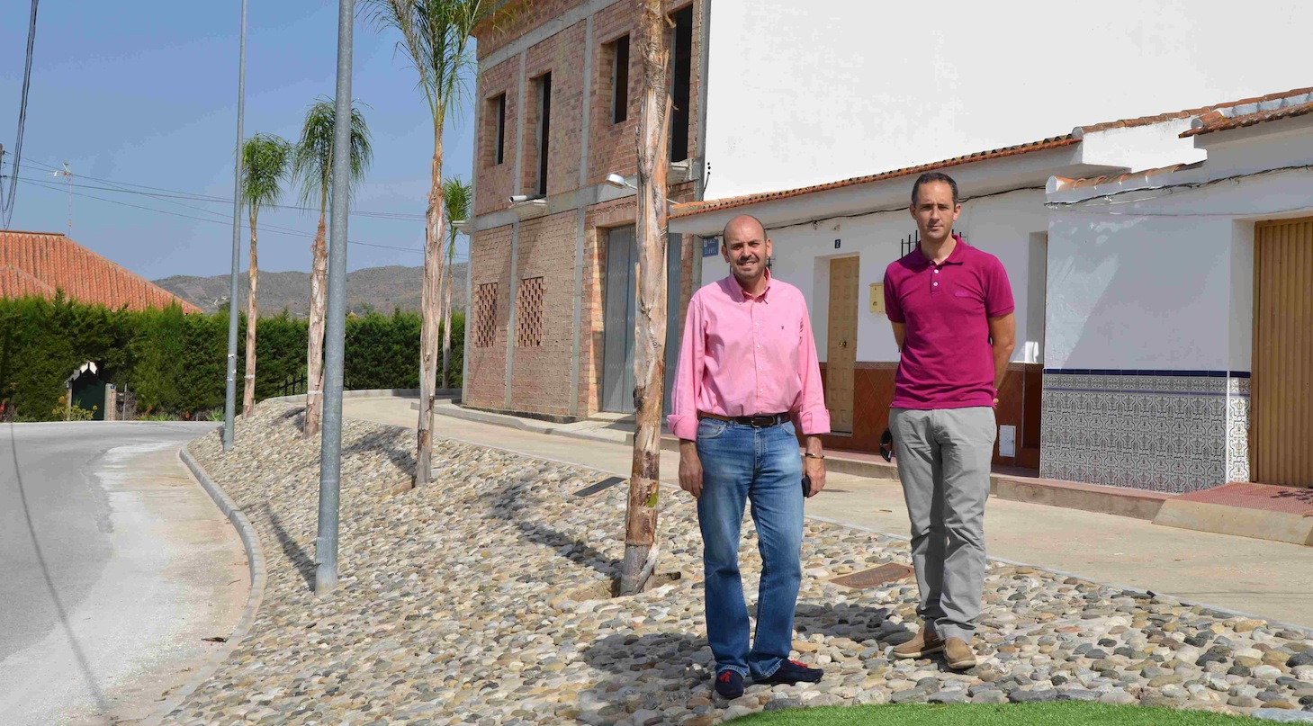 Finalizan las obras de embellecimiento del entorno de la calle Malva en Loma de Cuenca