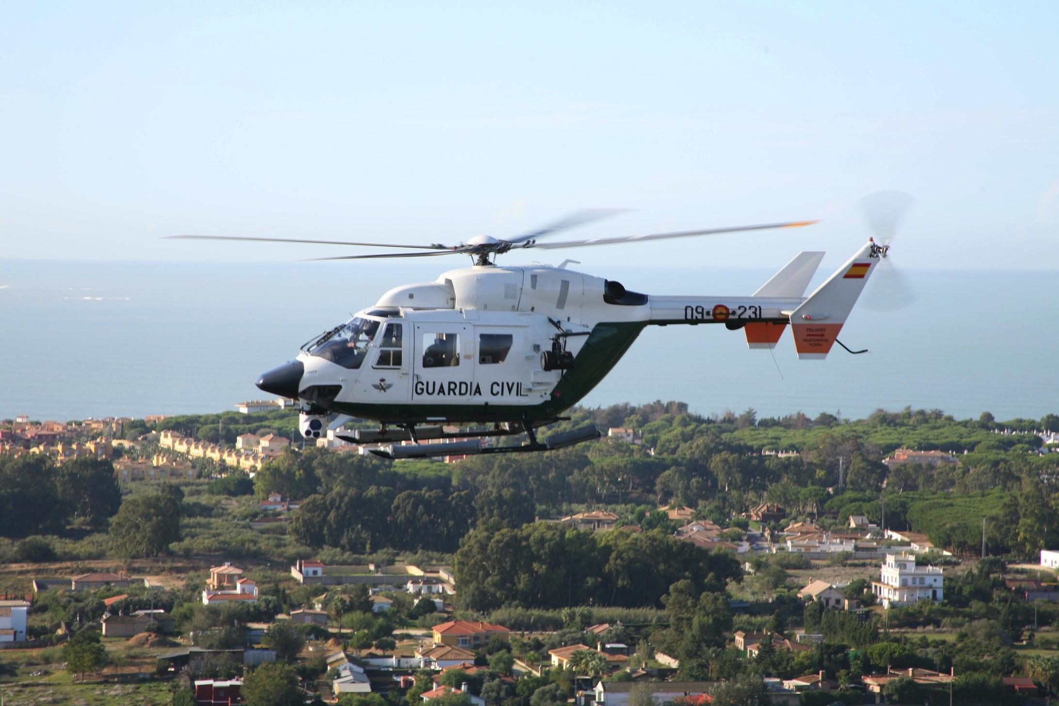 La Guardia Civil peina en helicóptero la provincia para prevenir los robos en el campo